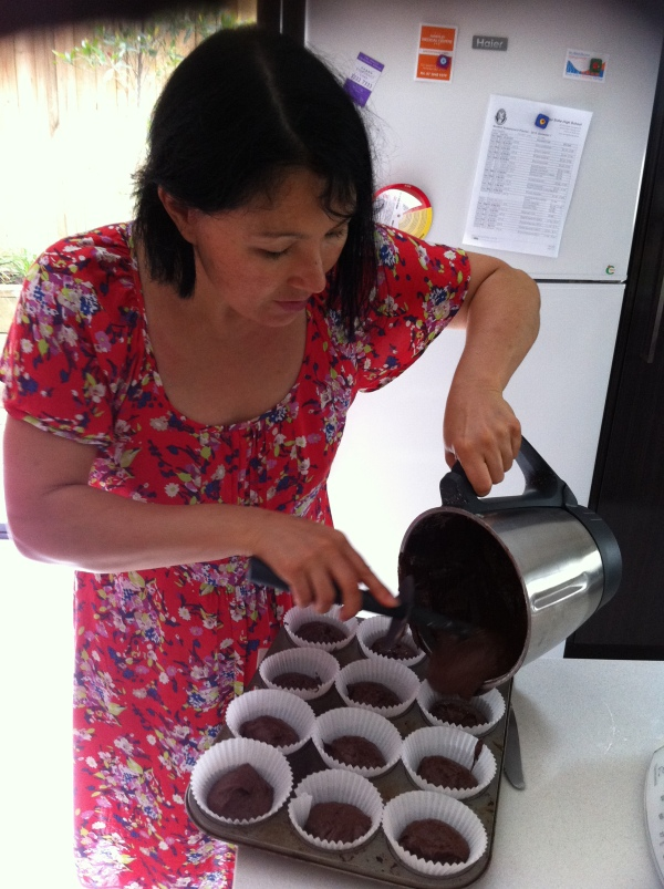 Making the Magic Bean choclate cakes in a Clever Cook Bake class