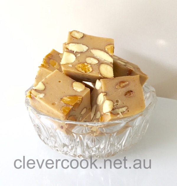 Dairy-free, low sugar, creamy fudge!
